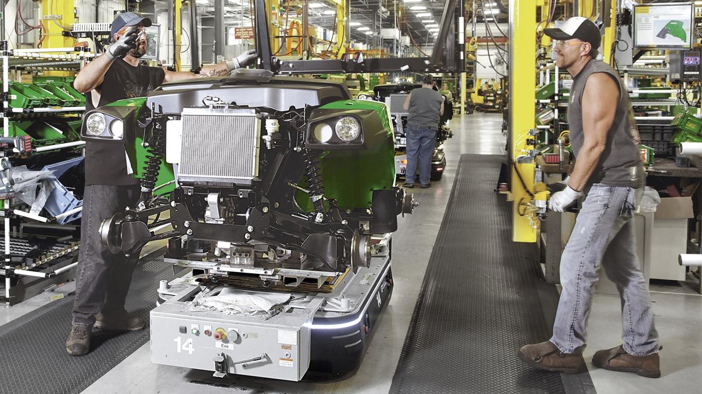 Vehículos multiuso Gator, Cadena de montaje, Fábrica, Operador