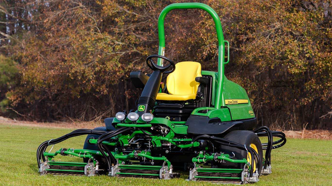 6500A PrecisionCut Fairway Mower Field Photo